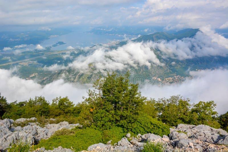 Satellietbeeld van Kotor, de Baai van Boka Kotorska, Montenegro stock foto