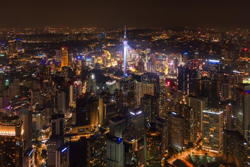 Satellietbeeld van Kuala Lumpur Downtown, Maleisië Financiële districts en commerciële centra in slimme stedelijke stad in Azië W stock afbeelding