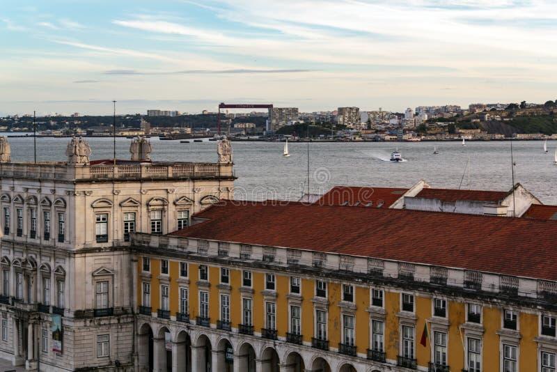 Satellietbeeld van Lissabon en Zuid-baai stock afbeeldingen