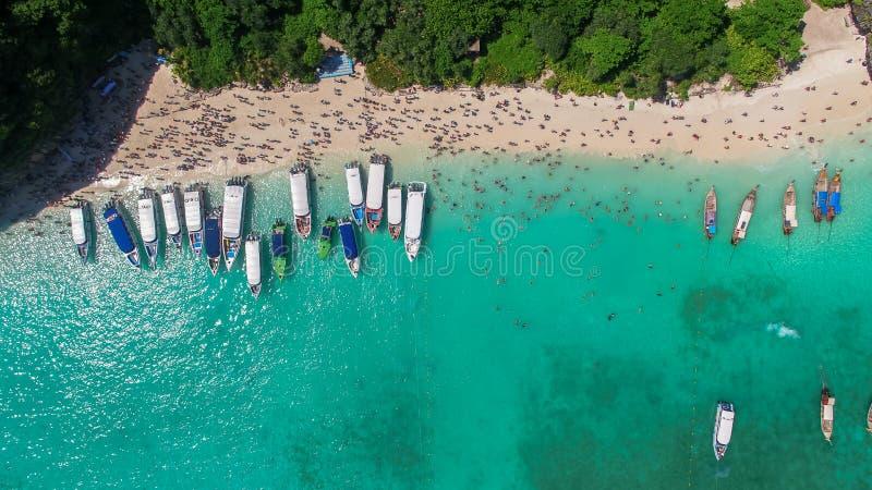 Satellietbeeld van Maya baai, Phi-Phi Islands, Krabi, Thailand stock fotografie
