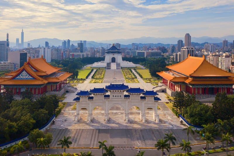 Satellietbeeld van Nationaal Chiang Kai shek Memorial Hall in Taipeh de stad in, Taiwan Financi?le districts en commerci?le centr stock afbeeldingen