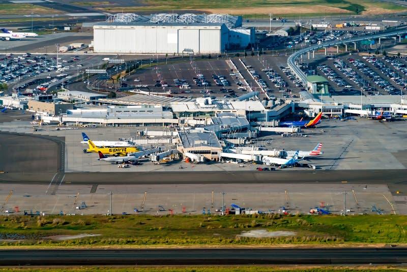 Satellietbeeld van Oakland Internationale Airpot in Oakland, CA royalty-vrije stock afbeelding