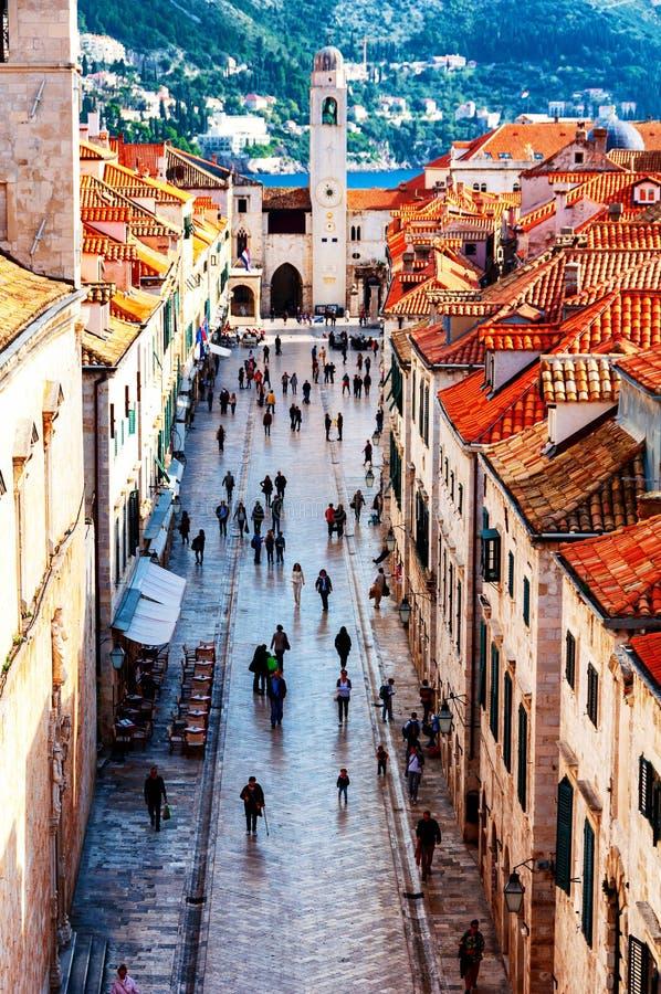 Satellietbeeld van Oude Vesting Dubrovnik in Kroati? met Stradun-straat stock foto's