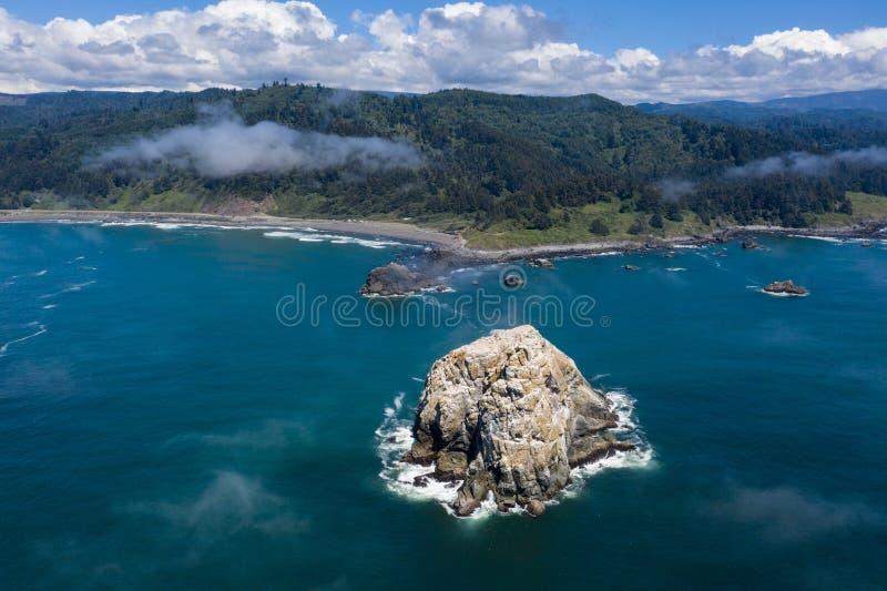 Satellietbeeld van Overzeese Stapel en de Toneel Noordelijke Kustlijn van Californië royalty-vrije stock afbeeldingen