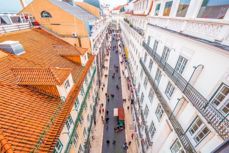 Satellietbeeld van Pedonal-straat bij het district van Chiado van Lissabon stock foto