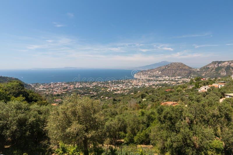 Satellietbeeld van Sorrento, Vesuvio en de Golf van Napels Amalfi Kust royalty-vrije stock foto
