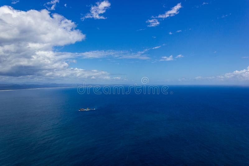 satellietbeeld van Wategoes-Strand in Byron Bay De Foto werd genomen uit een Gyrovliegtuig, Byron Bay, Queensland, Australi? royalty-vrije stock foto