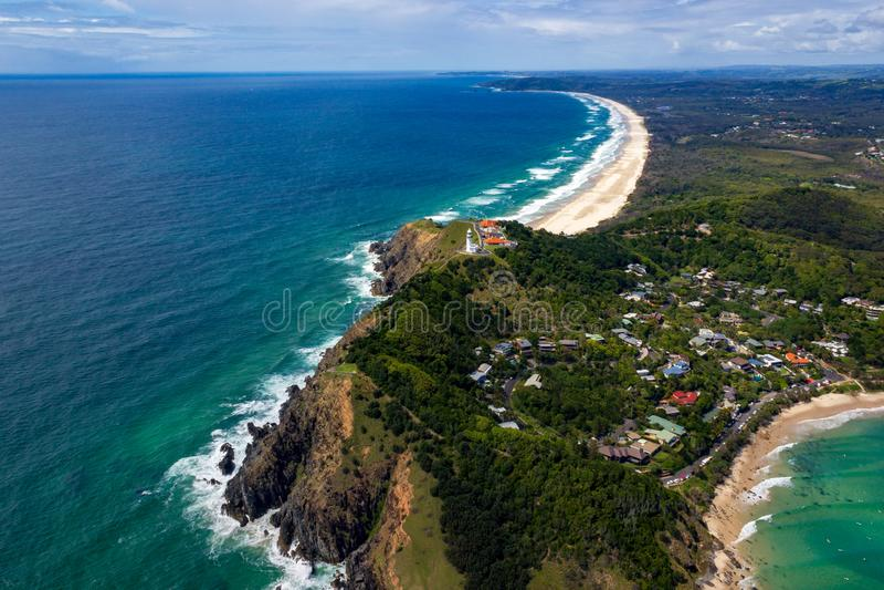 satellietbeeld van Wategoes-Strand in Byron Bay met vuurtoren De Foto werd genomen uit een Gyrovliegtuig, Byron Bay, Queensland, stock afbeeldingen