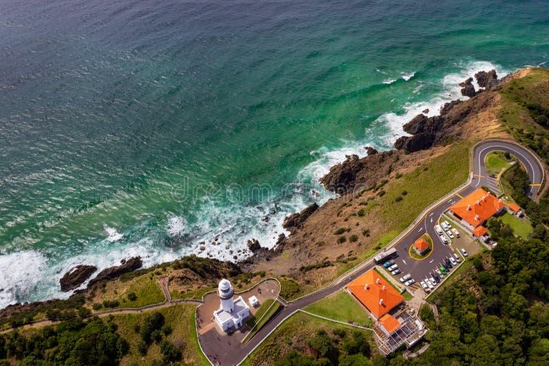 satellietbeeld van Wategoes-Strand in Byron Bay met vuurtoren De Foto werd genomen uit een Gyrovliegtuig, Byron Bay, Queensland, royalty-vrije stock foto