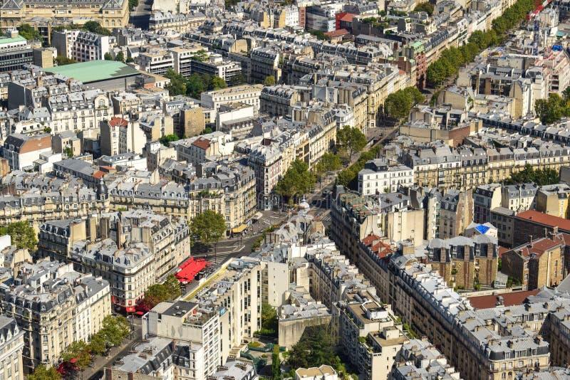 Satellietbeeld van Woningbouwdaken in Parijs stock fotografie
