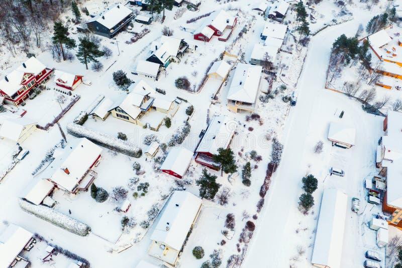 Satellietbeeld van woonwijk in Molde, Noorwegen tijdens een bewolkte dag in de winter royalty-vrije stock foto