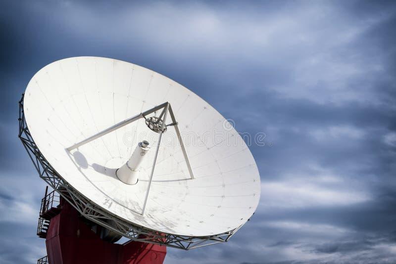 Satellietschotel - radiotelescoop royalty-vrije stock foto