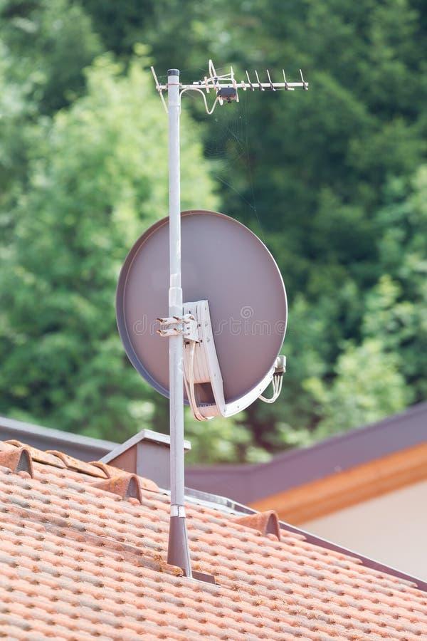 Satellietschotel - TV royalty-vrije stock fotografie