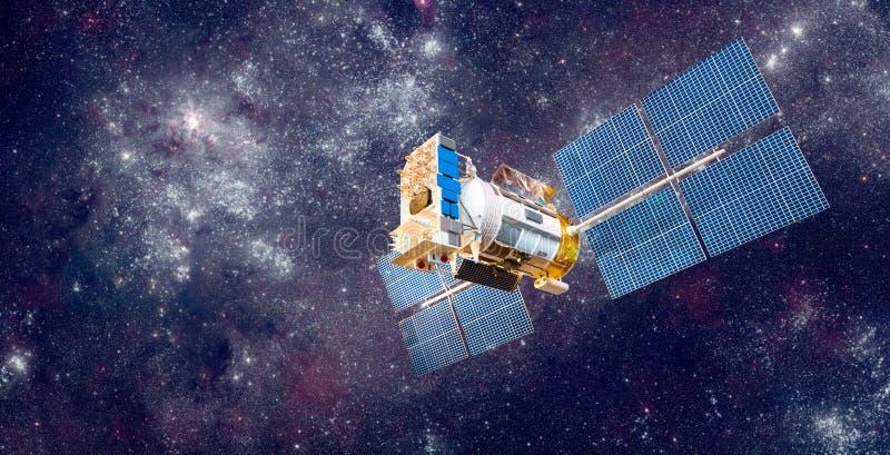 Satellite de l'espace au-dessus de la terre de planète photos stock
