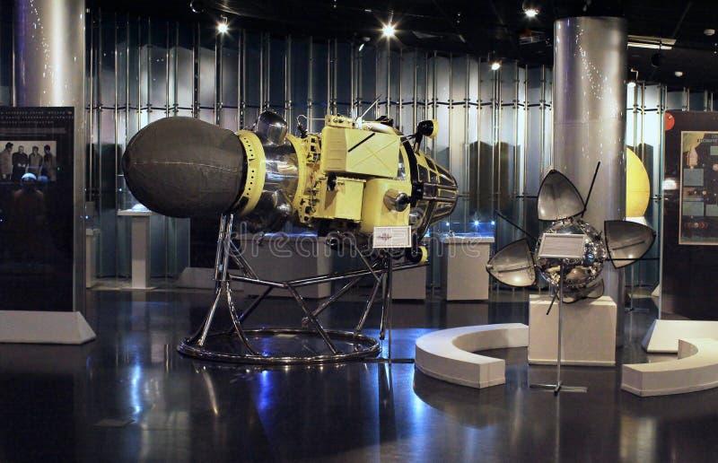 Satellite nel museo di spazio fotografia stock libera da diritti