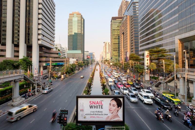 Satorn-Straße eine Mitte des Finanzgebäudes in Bangkok lizenzfreies stockfoto