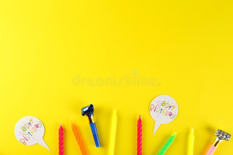 Sats för födelsedagparti med kopieringsutrymme arkivbild