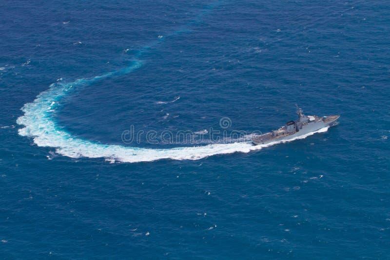 SATTAHEEP TAJLANDIA, Czerwiec, - 21: H.T.M.S. Krabi, na morzu patro fotografia stock