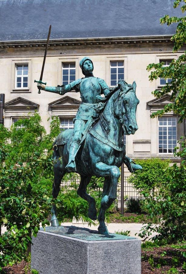 Satue del dArc de Jeanne, Reims imágenes de archivo libres de regalías