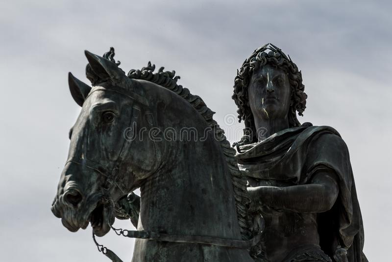 Satue do rei de Louis XIV - Lyon, França imagens de stock