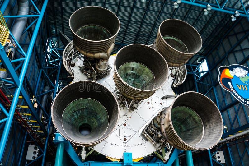 Saturn V Raketmotor in Kennedy Space Center stock foto's