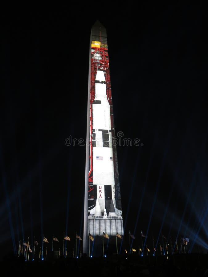 Saturn Vijf Rocket Being Prepped voor Lift van stock foto's