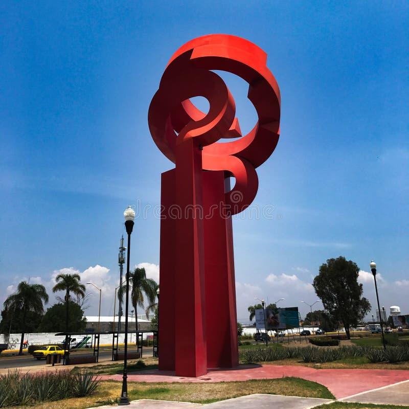 Saturnina-Tür-Skulptur stockfotos