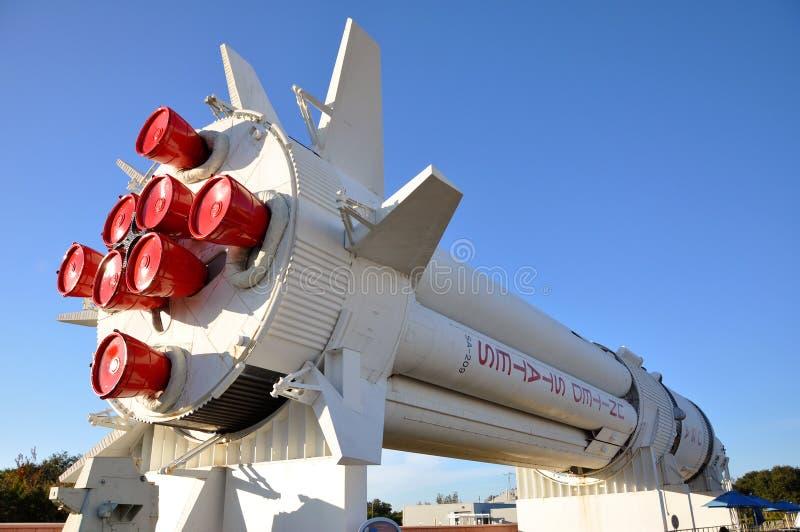 Saturnus V raketmodel in RuimteCentrum Kennedy royalty-vrije stock afbeelding
