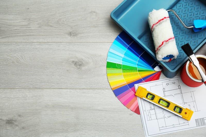 Satz Dekorateur ` s Werkzeuge stockfoto