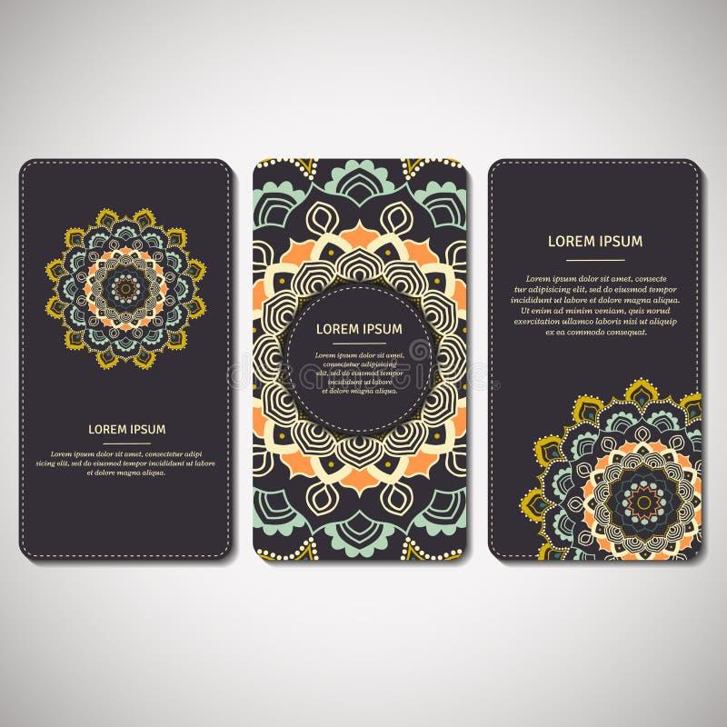 Satz dekorative Karten, Flieger mit Blumenmandala in dunkelblauem lizenzfreie abbildung