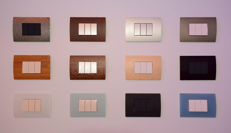 Satz der bunten modernen Artnahaufnahme mit drei Schlüsselschaltern für Design lizenzfreies stockfoto