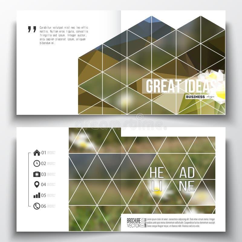 Satz der quadratischen Designbroschürenschablone RAUM FÜR BEDECKUNGSschlagzeile UND TEXT Bunter polygonaler Hintergrund, unscharf stock abbildung
