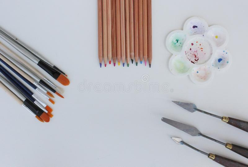 Satz der Werkzeuge für das Malen auf dem weißen Hintergrund lizenzfreie stockfotos