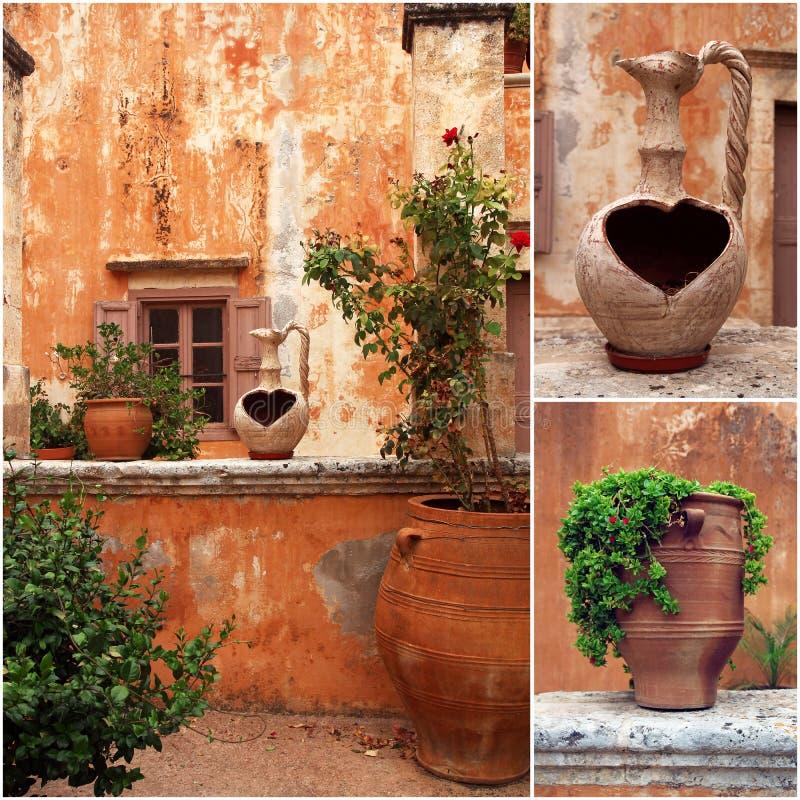 Satz Fotos vom altgriechischen Hof mit Terrakottablumentöpfen lizenzfreie stockfotografie
