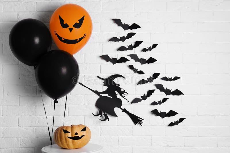 Satz Halloween-Dekorationen stockfotografie