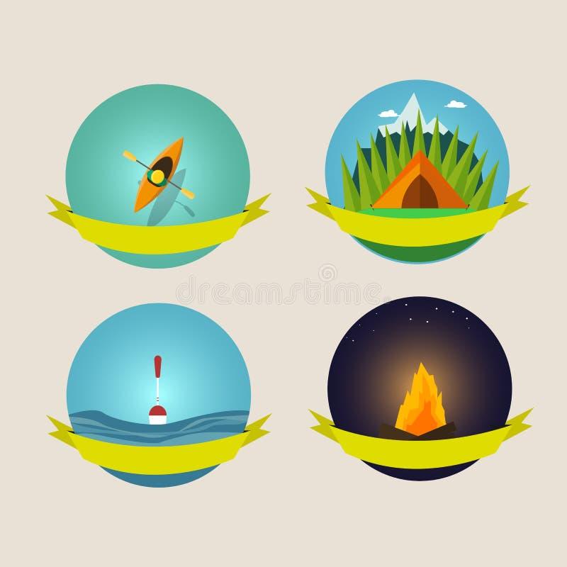 Satz kampierende Ausrüstungssymbole und -ikonen stockbilder