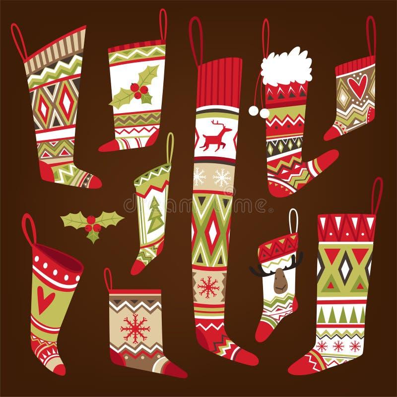 Satz mehrfarbige gestrickte kopierte Weihnachtssocken von verschiedenen Formen vektor abbildung