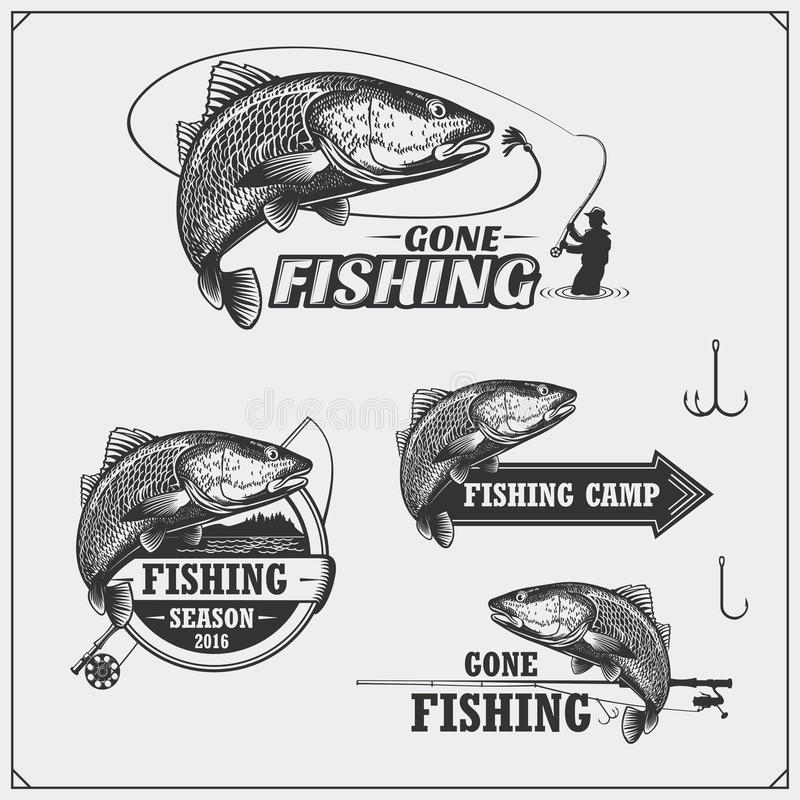 Satz Retro- Fischenaufkleber, -ausweise, -embleme und -Gestaltungselemente Weinleseartdesign stock abbildung