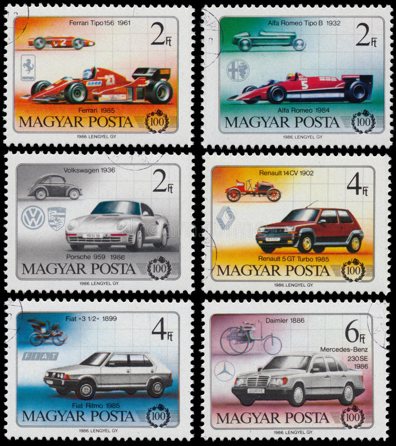 Satz Stempel, die in Ungarn gedruckt werden, zeigt Autos stockbilder