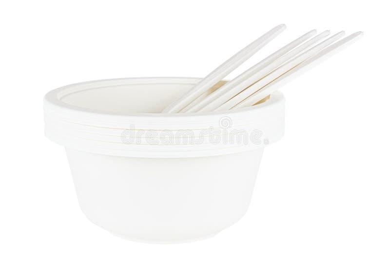 Satz weißer Schüssel und Löffel aus biologisch abbaubaren Materialien auf weißem Hintergrund isoliert lizenzfreie stockfotografie