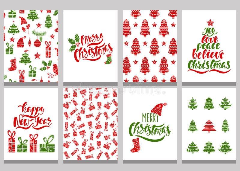 Satz Weihnachtsgrußkarten Weihnachtspostkarten mit nahtlosen Mustern und Typografie entwerfen Rote und grüne Feiertagsschablonen stock abbildung
