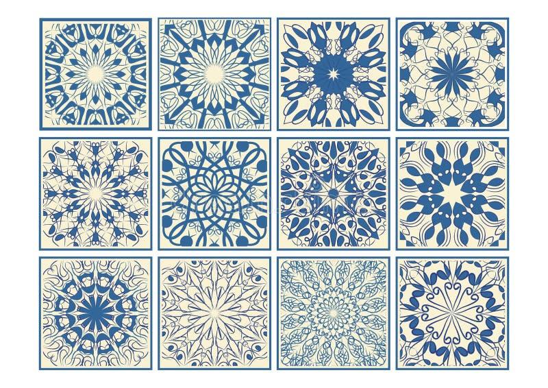 Satz Weinlesekeramikfliesen in azulejo Design mit blauen Mustern auf beige Hintergrund, traditionellen Spanien- und Portugal-Tonw stock abbildung
