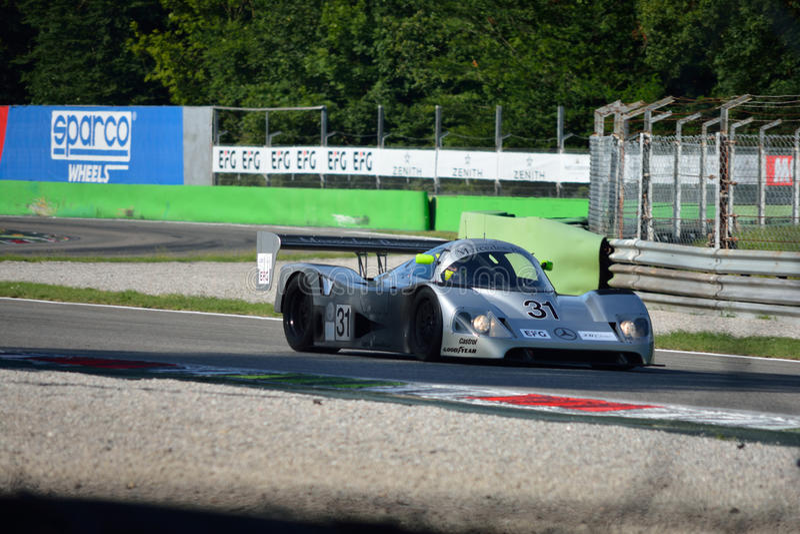 Sauber默西迪丝小组C在行动的赛车 图库摄影