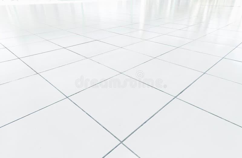 Saubere Zustand des weißen Fliesenbodens mit Gitterlinie für Hintergrund lizenzfreie stockfotografie