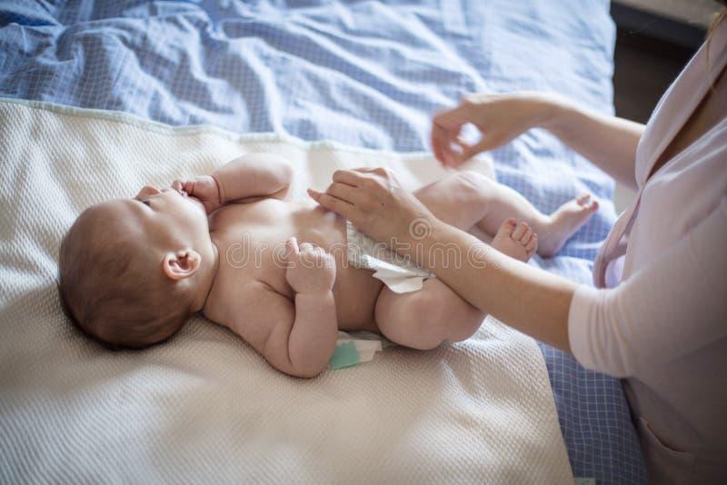 Sauberes glückliches Baby stockbild
