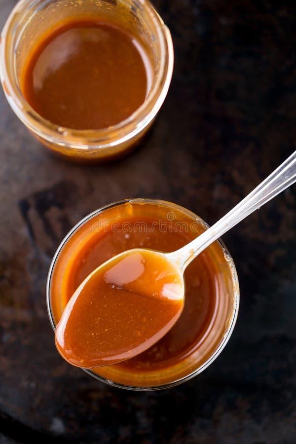 Sauce à caramel photographie stock libre de droits