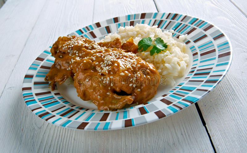 Sauce à Pepian pour le poulet cuit images stock