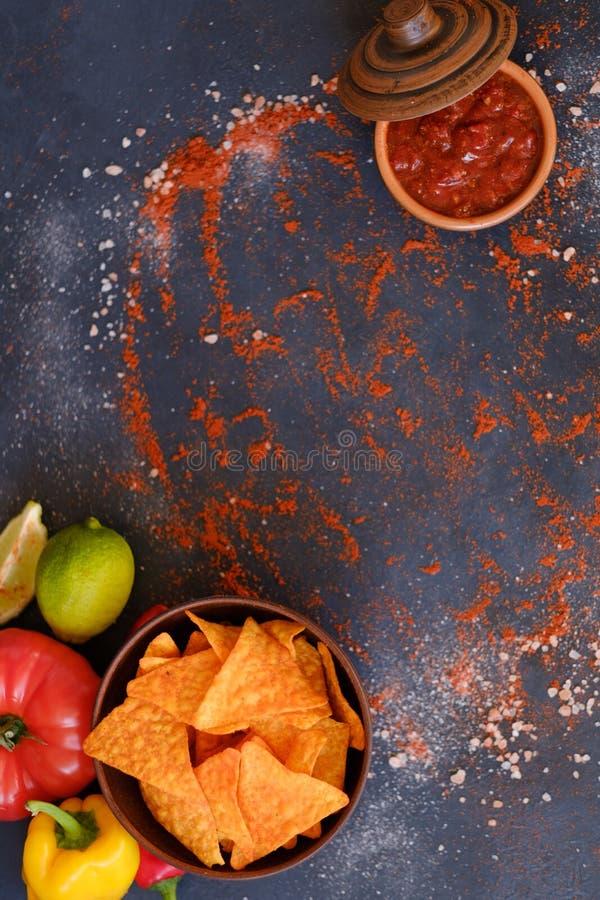 Sauce à Salsa de préparation d'épice de nourriture de frites de nacho de tortilla photos stock