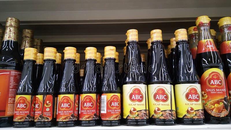 Sauce à soja d'ABC vendue dans le supermarché photo stock
