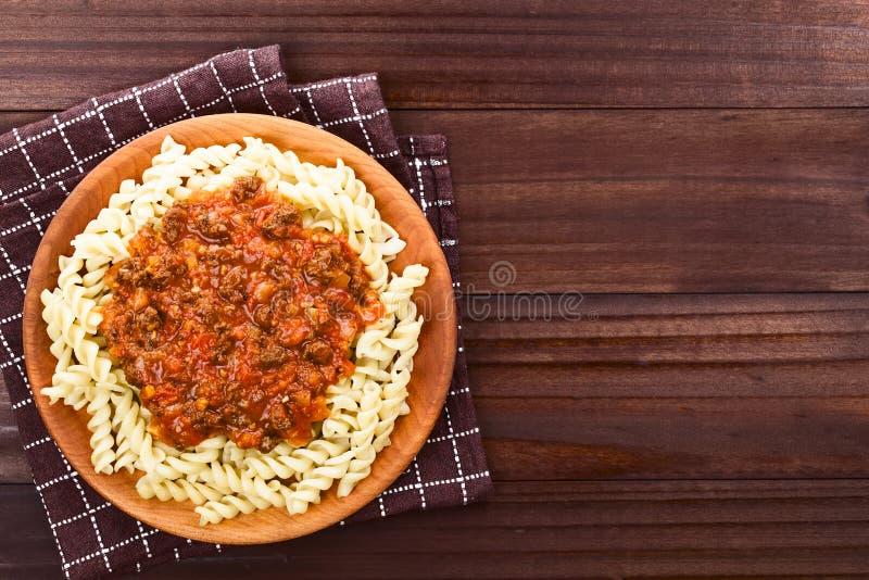Sauce bolonaise à Vegan sur des pâtes photo stock